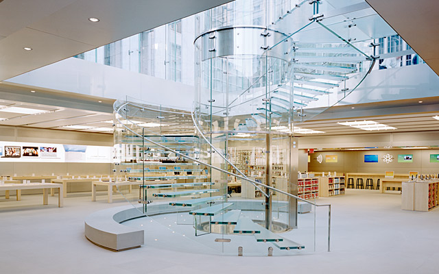 Apple Stores – 10 Years Later
