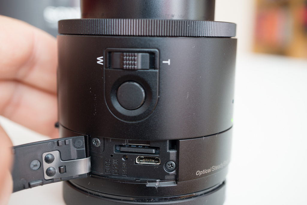 Sony QX100 storage and connectivity